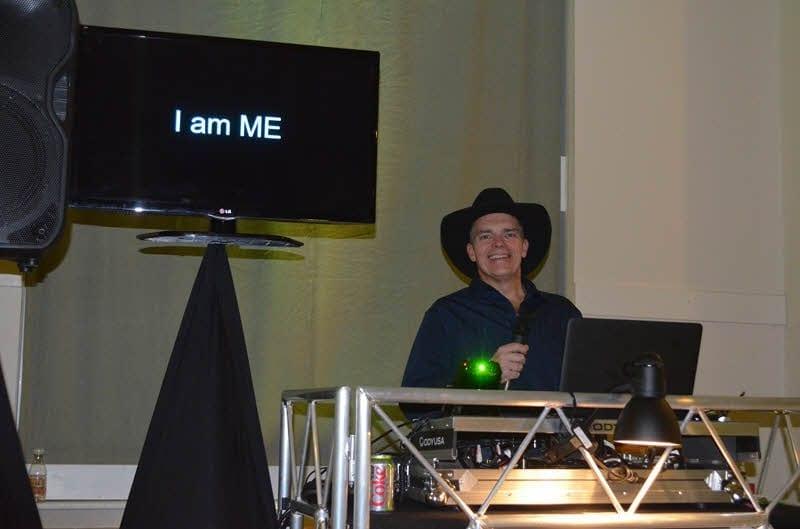 Dennis - I Am Me